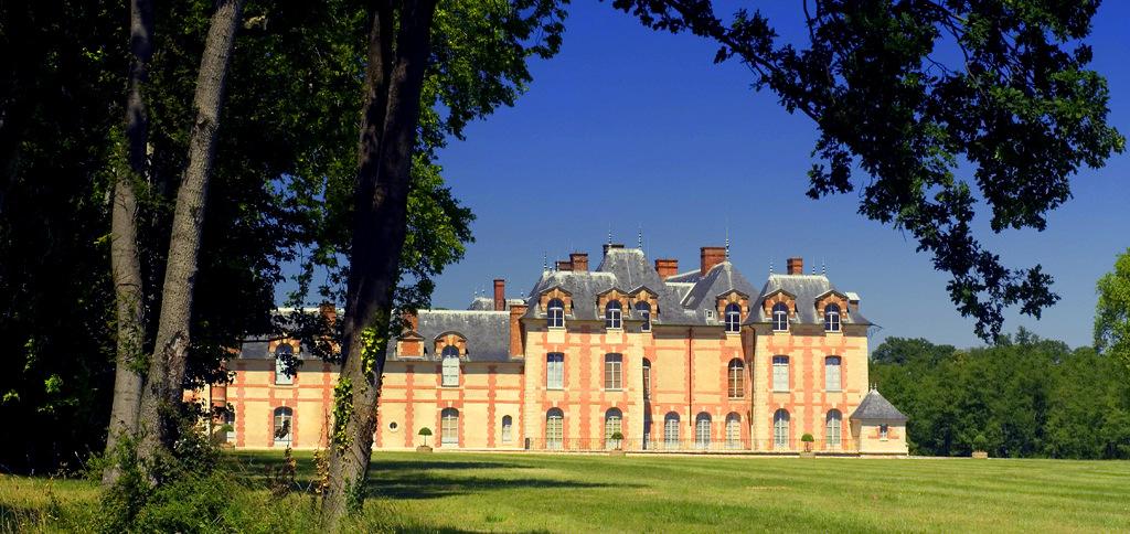 ChateaudegrosboislateralG.jpg